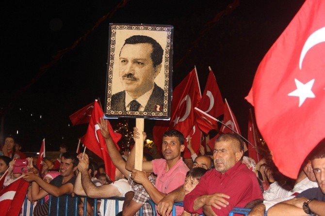 """Suriyelilerden """"Türkiyem"""" şarkısı"""
