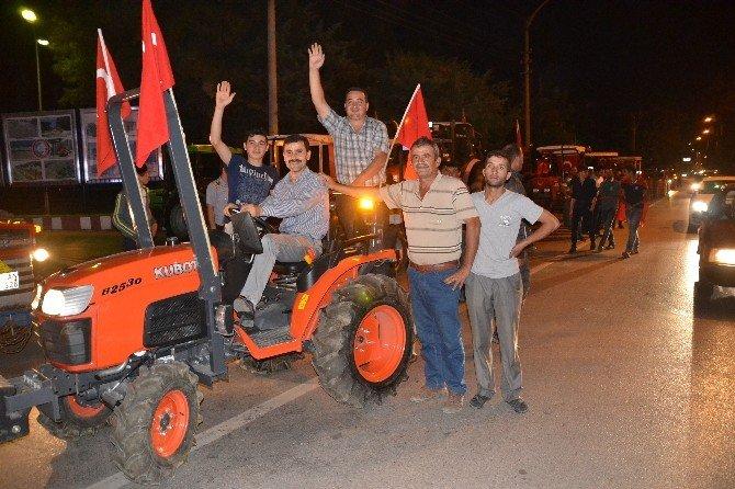 500'ü aşkın traktörle demokrasi konvoyu
