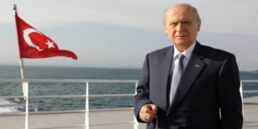 """MHP Lideri Devlet Bahçeli """"Yalan Dünya"""" türküsüyle yola çıktı"""