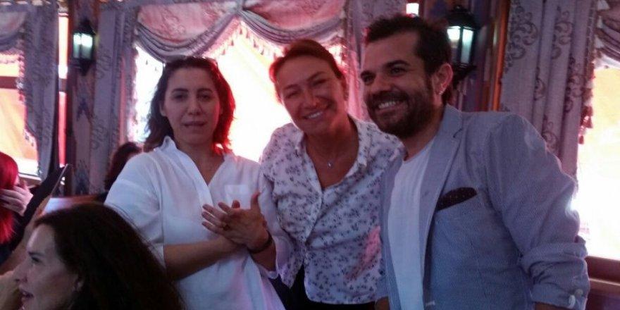 Sanatçılar 5 vapurla Yenikapı'ya gitti