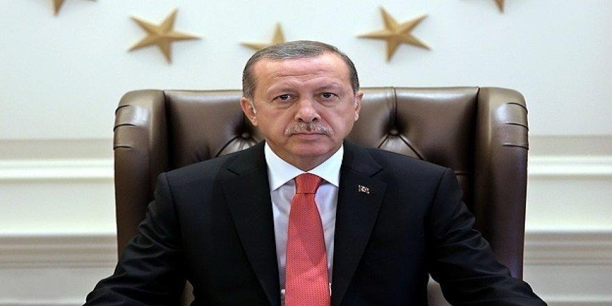 Cumhurbaşkanı Erdoğan helikopterle miting alanına geldi