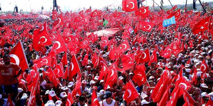 Ünlü isimler de Yenikapı'daki mitinge katıldı
