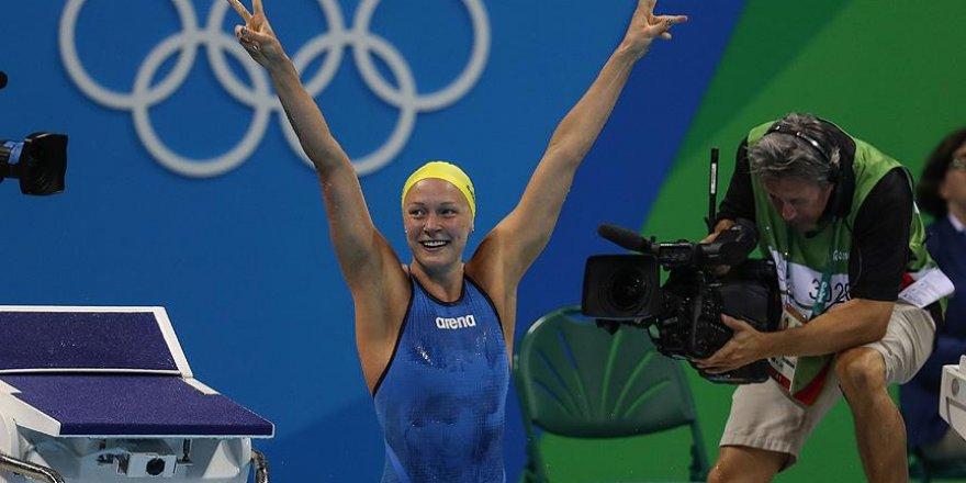 Yüzme yarışmalarında 4 kategoride madalyalar dağıtıldı