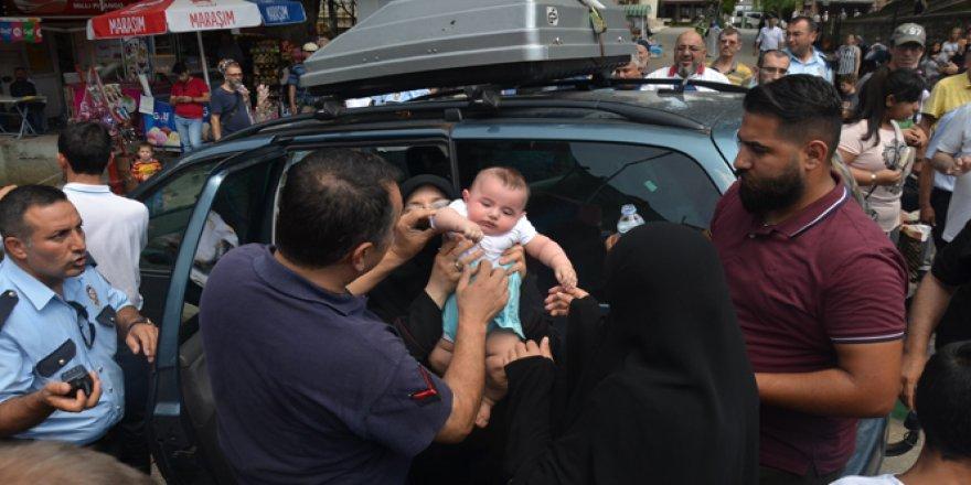 Arabada mahsur kalan 5 aylık bebek için seferberlik