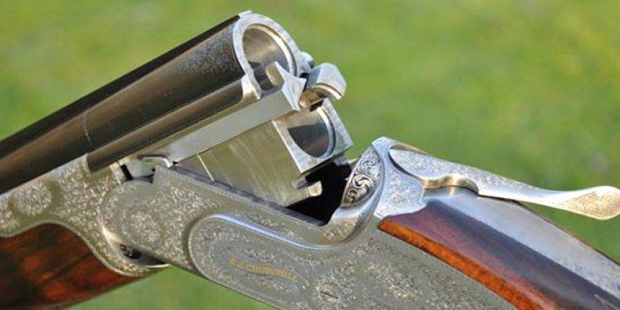 İzmir'de av tüfeğiyle oynayan çocuk kardeşini yaraladı