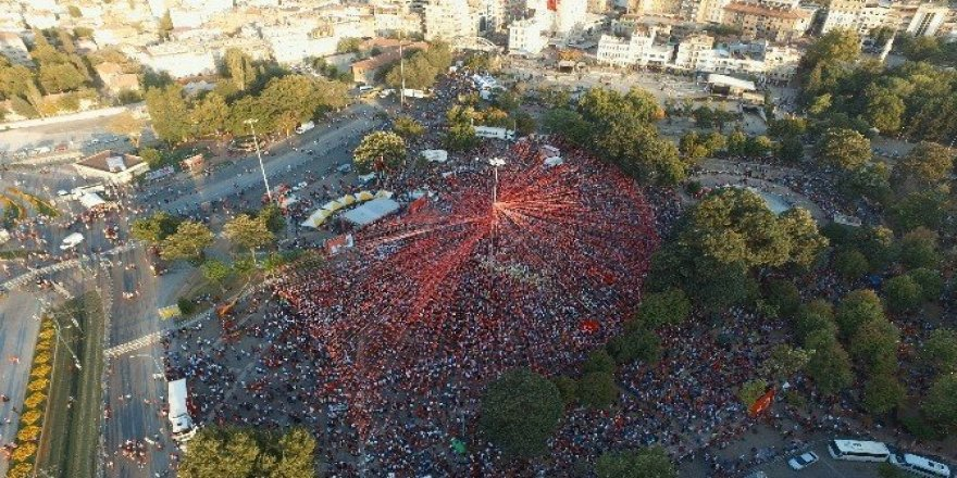 Şahinbey'den demokrasi yürüyüşü