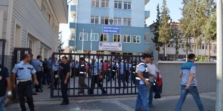 Kırıkhan'da 32 kişi gözaltına alındı