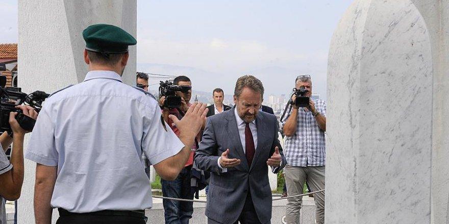 Bosna Hersek'in ilk cumhurbaşkanı Aliya İzzetbegoviç mezarı başında anıldı