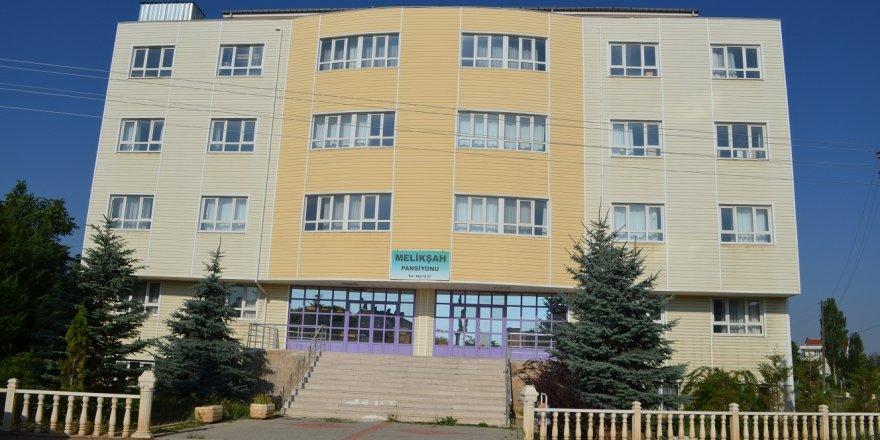 FETÖ'nün okulu halkın hizmetine sunuldu