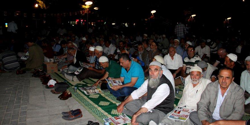"""Seydişehir'de """"demokrasi nöbeti"""" devam ediyor"""