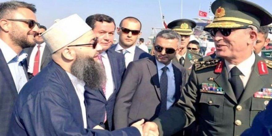 Cübbeli'den Hulusi Akar fotoğrafına açıklama