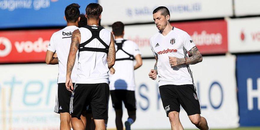 Beşiktaş'ta Sosa affedildi