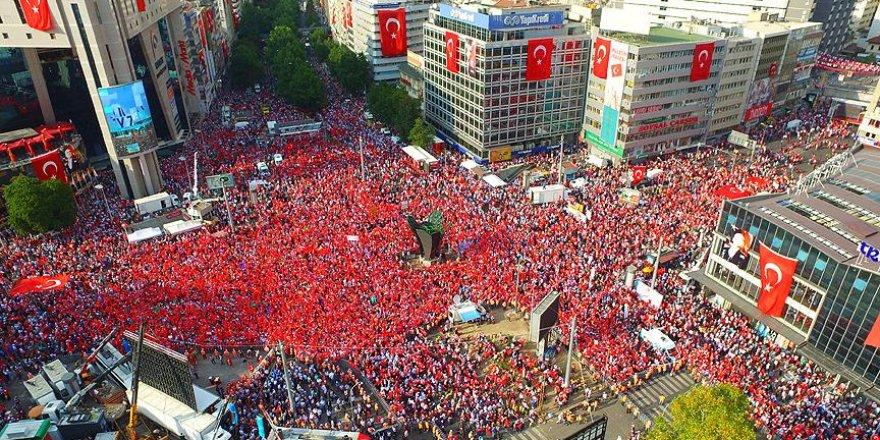 Demokrasi nöbetleri Kızılay'da taçlanacak