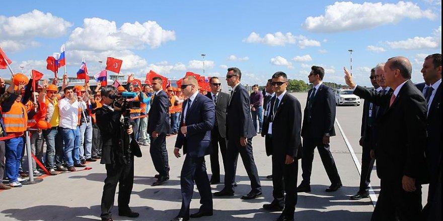 Rusya'da Erdoğan'a sevgi gösterisi