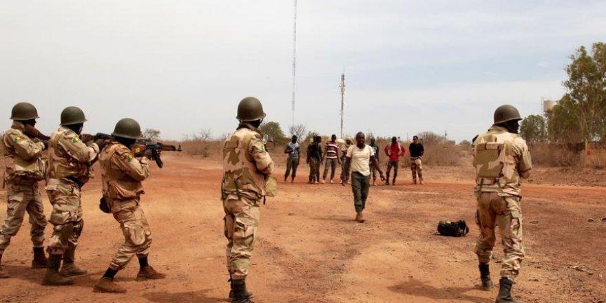 Mali'de Azavad Hareketi ve hükümet yanlısı arasında çatışma