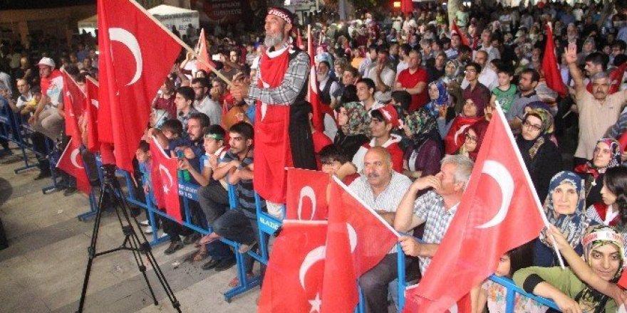 Elazığ'da demokrasi nöbeti sona erdi