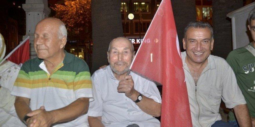 Bandırma'da Son Demokrasi Nöbeti