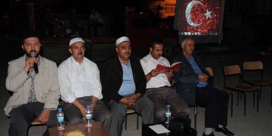 Muradiye'de demokrasi nöbetine ara verildi