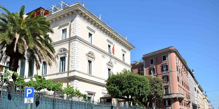 Yunanistan'dan İtalya'ya kaçan askeri ataşelerin iadesi istendi