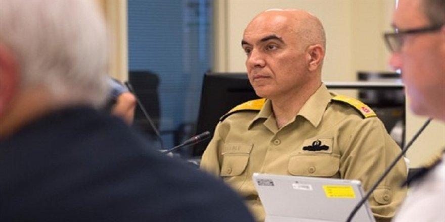 Darbeci amiral NATO toplantısına katılmış