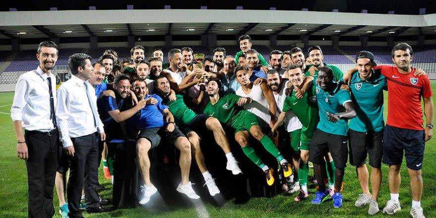 Demokrasi Kupası Denizlispor'un