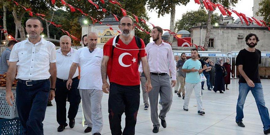 İbrahim Çolak darbe girişimini protesto için yola çıktı