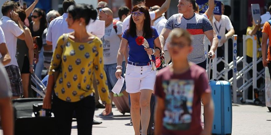 Turizmciler Rus turist için charter uçuşları bekliyor