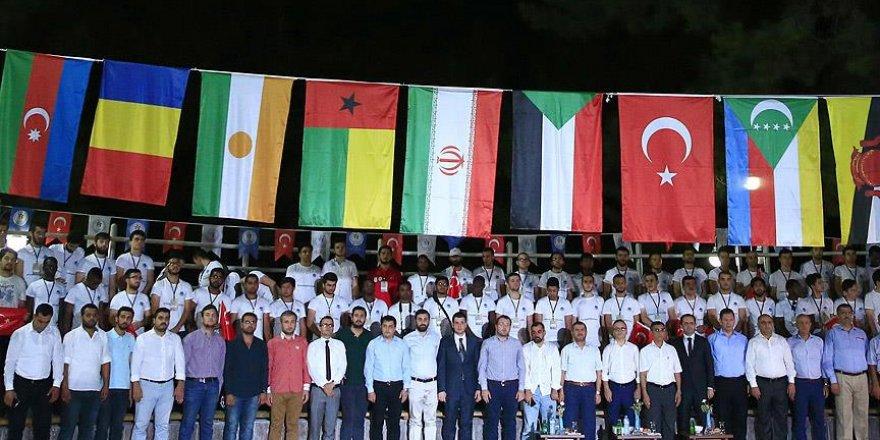 Darbeye inat uluslararası gençlik dayanışması