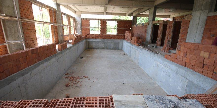 Beyşehir'de hanımlar için yüzme havuzu