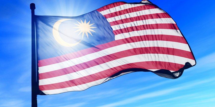 Malezya siyasetinde derin kırılma