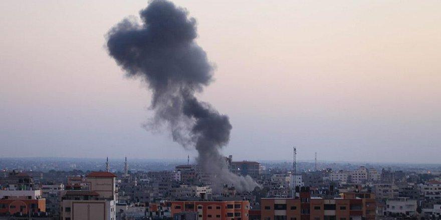 Suriye'de rejim güçlerinden İdlib'e hava saldırısı: 11 ölü