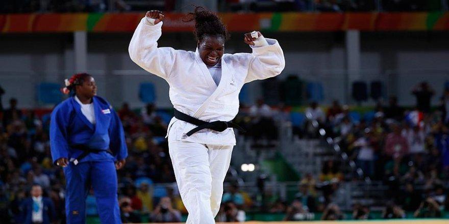 Judoda iki kategoride madalyalar dağıtıldı