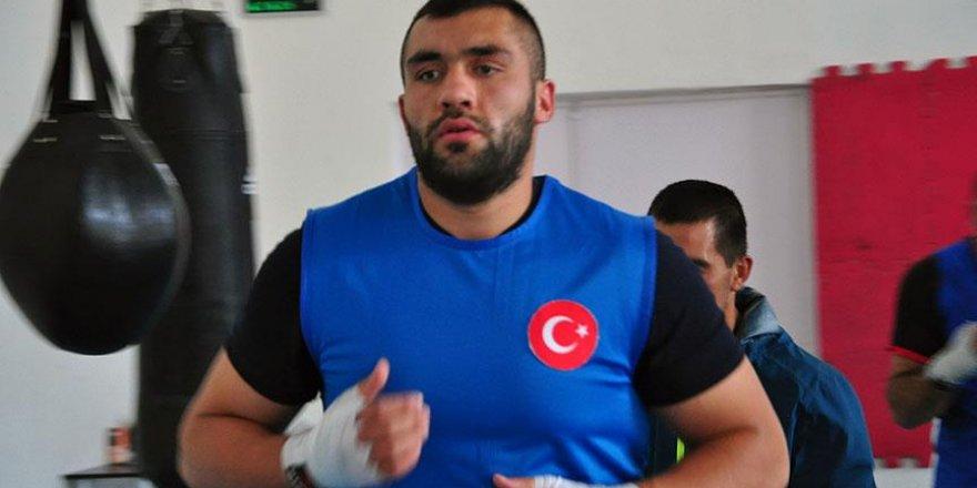 Milli boksör Ali Eren Demirezen olimpiyatlara veda etti