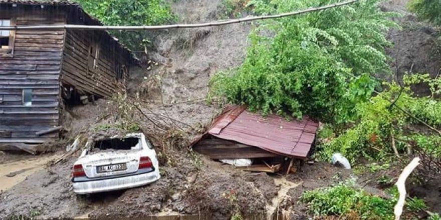 Cide'de sel nedeniyle çok sayıda bina çöktü