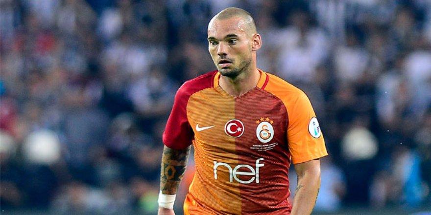 Sneijder'dan Konya'da gecenin en anlamlı hareketi