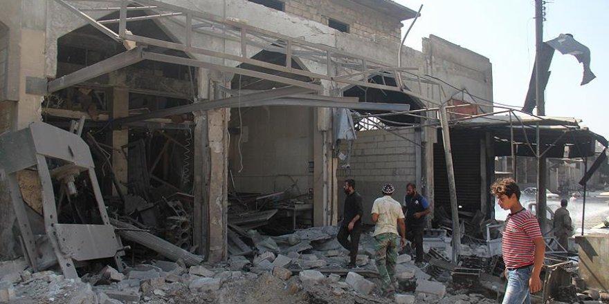 Rejim güçleri ve Rus jetleri İdlib'i bombaladı: 5 ölü