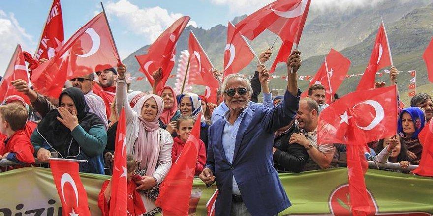 Ovit Dağı'nda 'demokrasi şöleni'