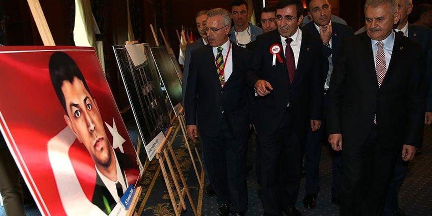 'AK Parti demokrasi tarihine adını altın harflerle yazdırmıştır'