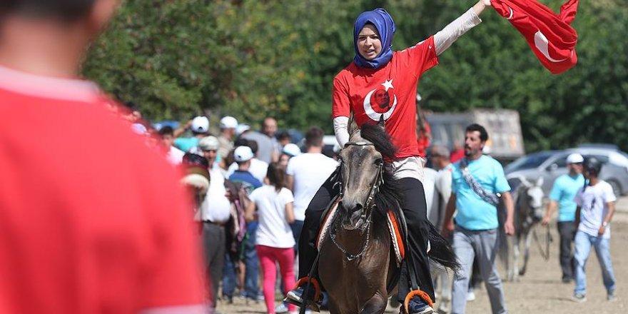 Kayapa Rahvan At Yarışları renkli görüntülere sahne oldu