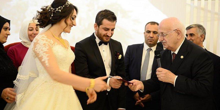 TBMM Başkanı Kahraman Adıyaman'da nikah şahitliği yaptı