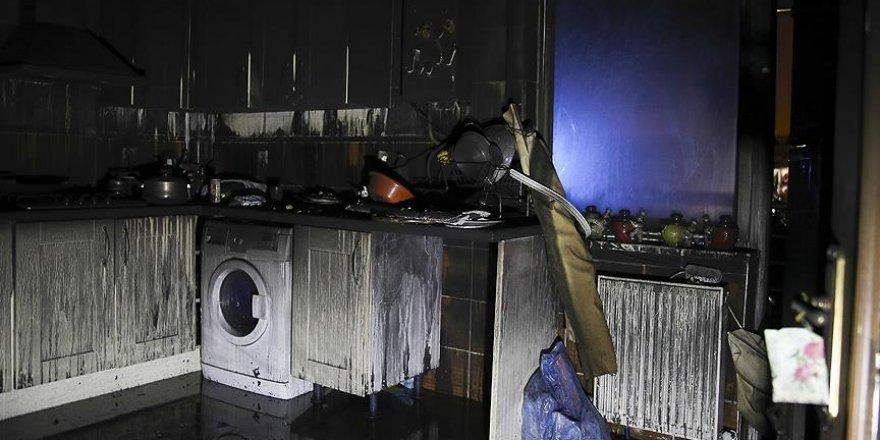 Çankaya'da 8 katlı apartmanın giriş katında yangın çıktı