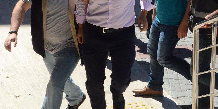 İzmir ve Antalya'da FETÖ oprasyonu: 40 kişi tutuklandı