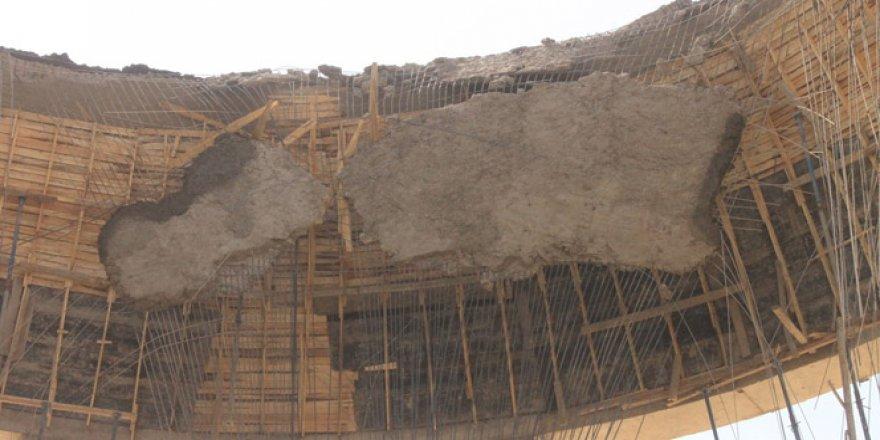Mardin'de cami kubbesi çöktü: 6 yaralı