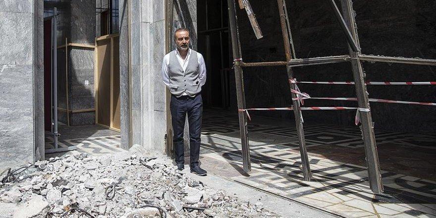 Sanatçı Yılmaz Erdoğan, Hakkari için TBMM'yi ziyaret etti