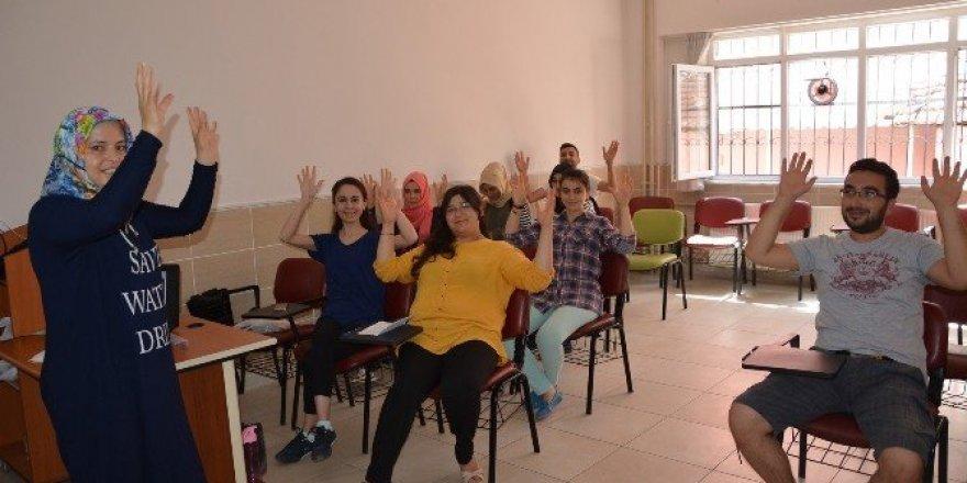 Korkuteli'de işaret dili kursu başlıyor
