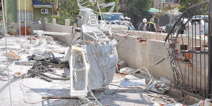 Bornova'da çöken inşaat iskelesinin gerekli emniyeti alınmamış