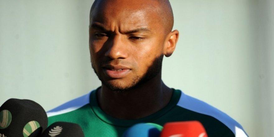 Joshua John: 'Bursaspor'a gelmek için savaş verdim'