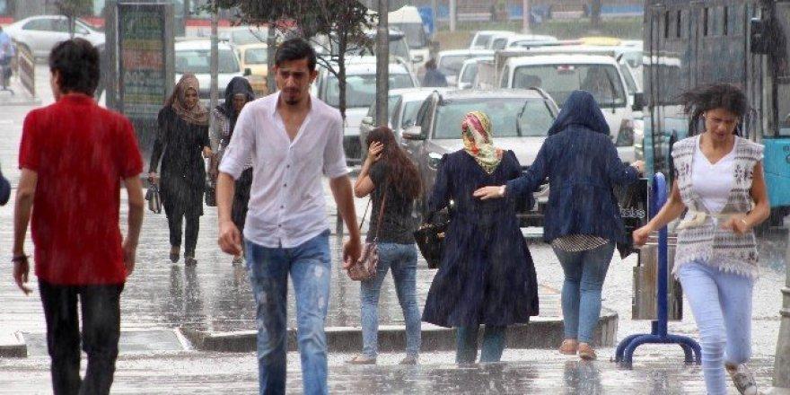 Erzurum yağmurla serinledi