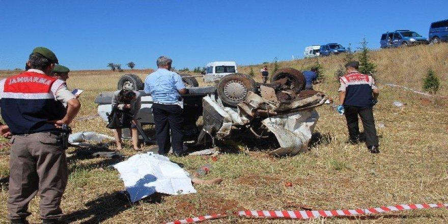 Hastane yolunda feci kaza: 2 ölü, 1 yaralı