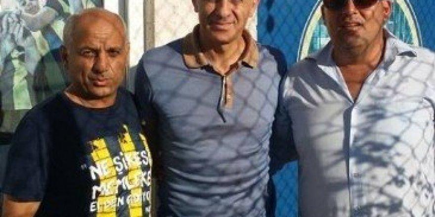 Efsane kaptandan Fenerbahçe Spor Okulu'na ziyaret